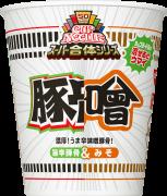 「カップヌードル スーパー合体シリーズ 味噌&旨辛豚骨」